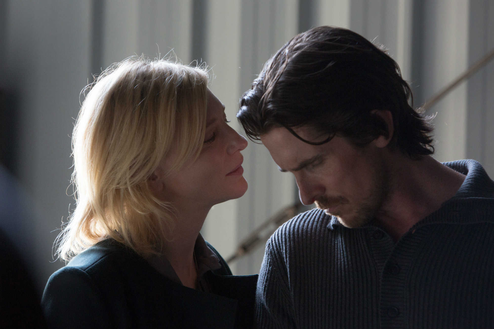 Christian Bale, Cate Blanchett. Stillbildsfoto: Melinda Sue Gordon.  © Dogwood Pictures, LLC. All Rights Reserved.